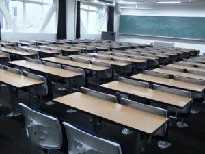 日本の教育は集団主義に偏りすぎ