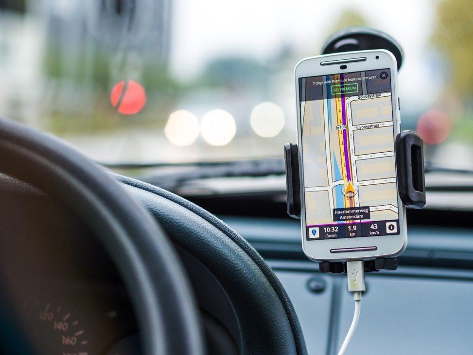 スマホのAI搭載無料ドラレコアプリは事故やあおりの証拠に利用できる!